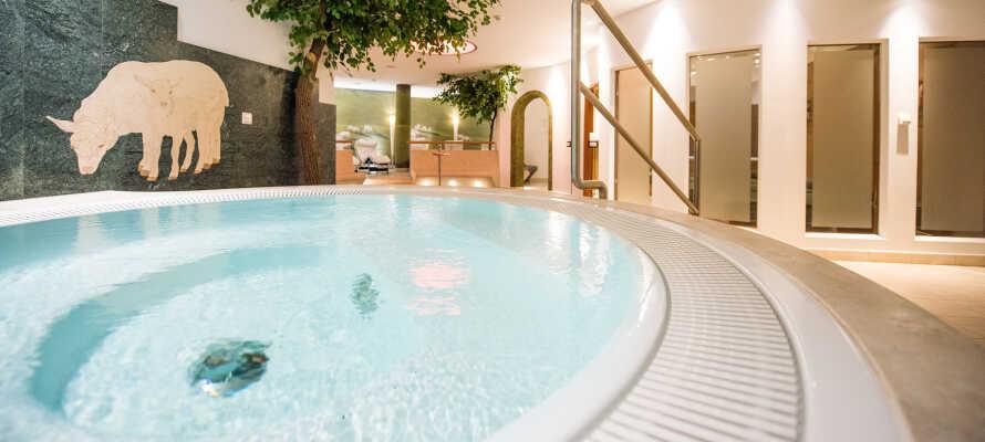 Entspannen Sie im gemütlichen Wellnessbereich des Hotels.