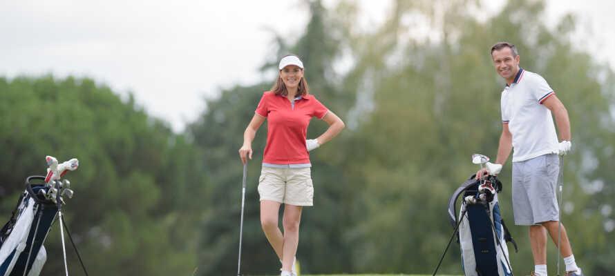 Tag en runde golf ved Franciacorta Golf Club, som ligger i kort afstand af hotellet.