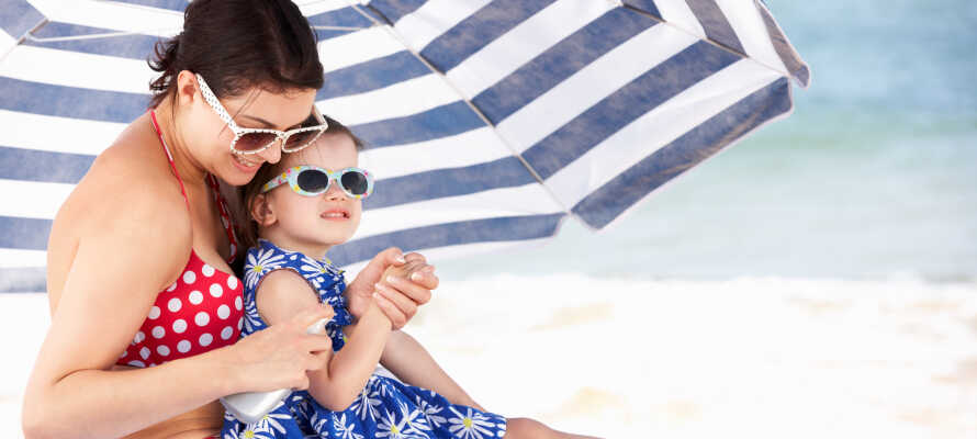 Opholdet inkluderer gratis parasol- og strandstol-service og et 'Summer Card' til Sassabanek Beach Centre.