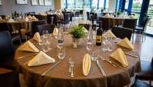 Nyd et lækkert aftenmåltid i den hyggelige restaurant.