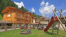 Dolomites Hotel Valacia byder velkommen til en skøn ferie med dejlig mad, wellness og fantastisk natur i Val di Fassa-dalen.