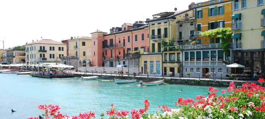 Camping Wien ligger tæt på en malerisk havn, og tilbyder alletiders base for en familieferie ved Gardasøen.