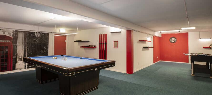 På hotellet kan I tage et spil billard, dart, bordtennis eller bordfodbold