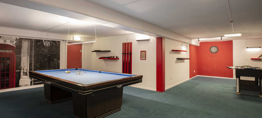 På hotellet kan dere spille biljard, dart, bordtennis eller bordfotball