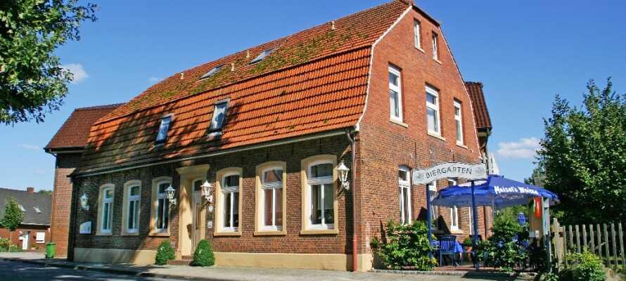 Hotel zur Linde er et familiedrevet hotel beliggende i den skønne Emsland region, der er kendt for den skønne natur.