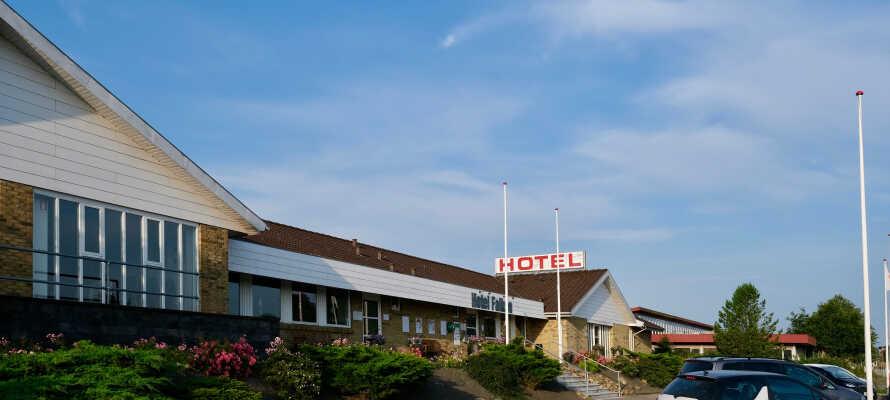 Hotellet har en rolig beliggenhed imellem Ringkøbing og Herning og er et godt udgangspunkt for oplevelser i Midtjylland