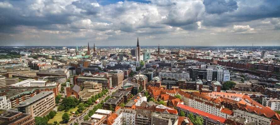 Dette 4-stjernede hotel ligger blot 3 km. fra centrum, og er et perfekt udgangspunkt for oplevelser i Hamburg.