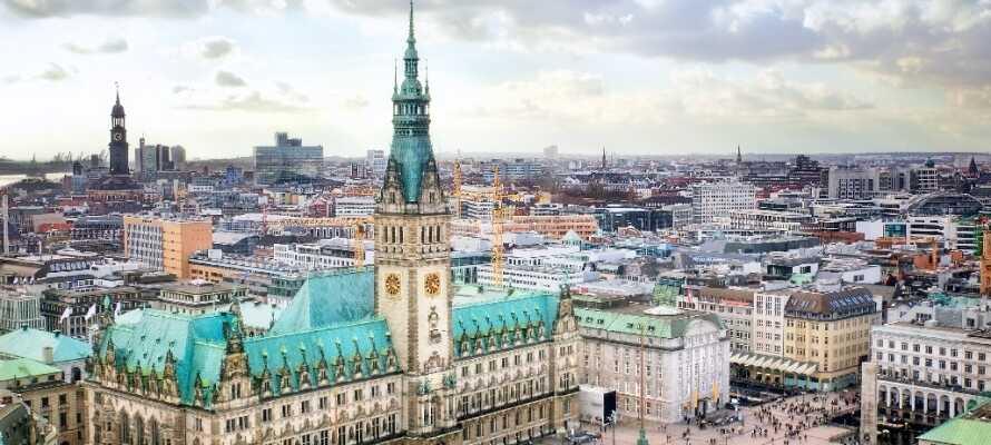 Hamburg er en smuk by med noget at se for enhver smag. Byen er spækket med kulturoplevelser og shoppingtilbud.