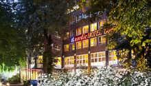 Das Domicil Hamburg by Golden Tulip liegt nur wenige Kilometer von Hamburgs Innenstadt entfernt.