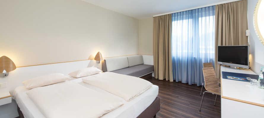 Hotellets moderne rom innbyr til avslapping og hygge og skaper en god base for deres ferie.