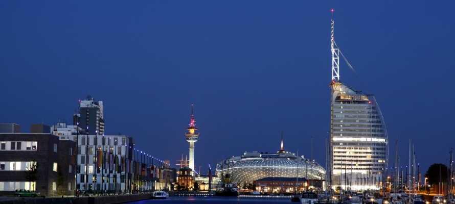 Besuchen Sie einen von Deutschlands wichtigsten Häfen, in dem Sie die vielen Museumsschiffe und vieles mehr erleben können.
