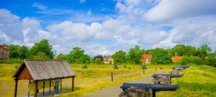 Besök Skånes fästningsstad Kristianstad, som erbjuder historia, shopping, museer och god mat.