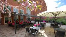 Bo sentralt i Borlänge på Quality Hotel Galaxen - nær byens severdigheter.