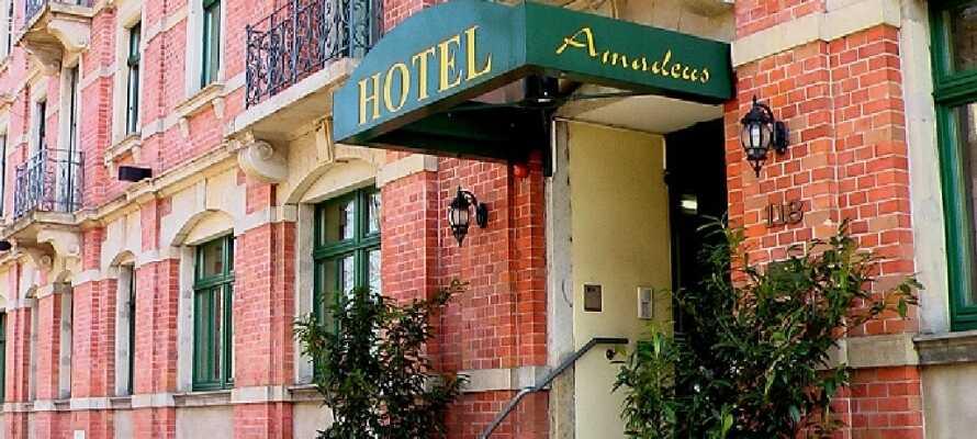Det 3-stjärniga Hotel Amadeus har ett bra läge några få kilometer från Dresdens centrum och nära kollektivtrafik.