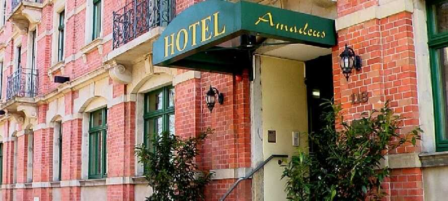 Det 3-stjernede Hotel Amadeus har en herlig beliggenhet i Dresden få kilometer fra sentrum og  nær den nærmeste S-bahn stasjonen.