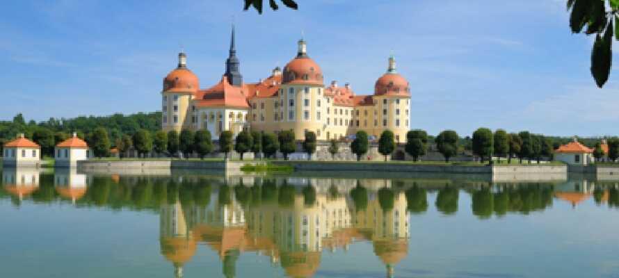 Dette jaktslottets imponerende arkitektur fra det 16. århundre bygget i vakker harmoni med den fantastiske naturen.