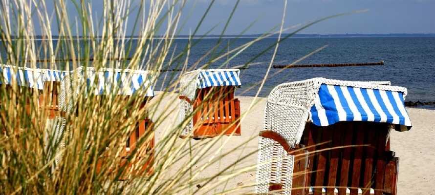 Med et ophold på Dänischer Hof er der kort afstand til de lækre hvide sandstrande ved Østersøen.