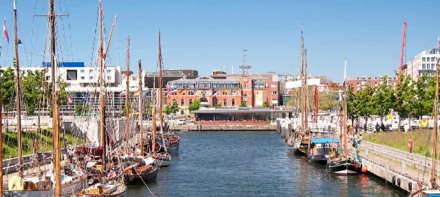 Besøg den charmerende havne- og universitetsby, Kiel, som ligger bare 15 km. syd for hotellet.