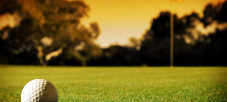 Hvis dere har lyst til å spille golf, så har hotellet et samarbeid med Golf Club Paradiso del Garda.