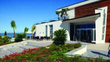Parc Hotel Germano Suites ligger placeret på en bakke med en skøn panoramaudsigt ud over Gardasøen