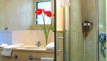 Samtliga sviter är utrustade med ett eget badrum.