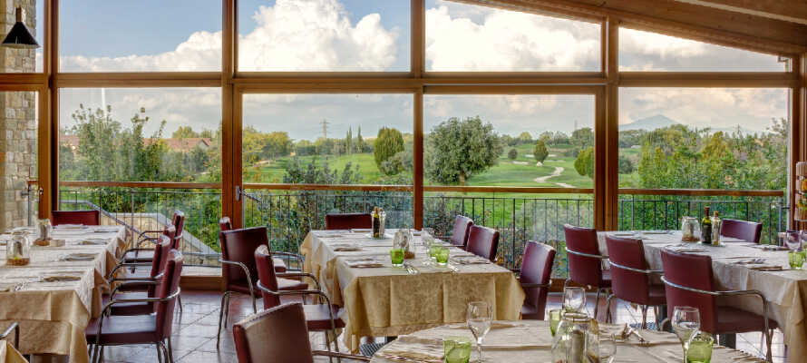 Active Hotel Paradiso & Golf ligger i et nydelig grøntområde i Veneto, i kort avstand fra Gardasjøens sydlige ende.