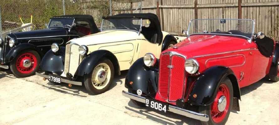 Tag på Næstved Automobil museum og oplev gamle biler, motorcykler og lastbiler.